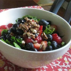 Spinach Salad With Berries and Curry Dressing Recipe - This recipe is packed with brain boosters like spinach, strawberries and pecans. It also has a delightful curry dressing.