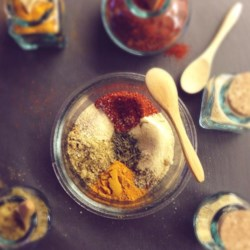 Diva Curry Blend Recipe - Make a homemade curry with this quick and easy DIY recipe for curry blend.