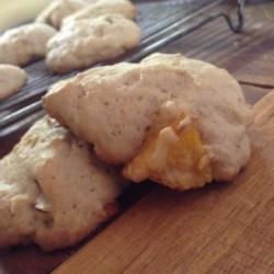 Peaches and Cream Cookies Recipe - Simple cake-like cookies made with fresh peaches.