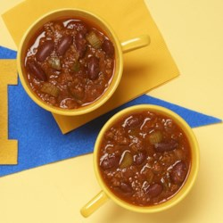 Flatlander Chili Recipe and Video - This is a good red bean and ground beef chili with lots of chili powder and plenty of herbs!