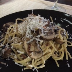 Garlic Mushroom Pasta Recipe - Spaghetti tossed with scrambled eggs, mushrooms, garlic, and Parmesan cheese makes a great meal that will please all the members of your family.