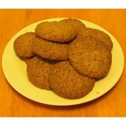 Oatmeal Refrigerator Cookies Recipe - These cookies have an old fashioned flavor with the zest of orange. After cookies are cooled and in containers, place a slice of fresh bread in also to keep the cookies soft and fresh.
