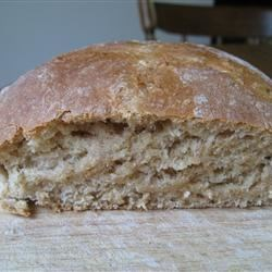 Oat-N-Honey Bread Recipe - You can make a tasty loaf of oat-and-honey bread quite easily with your bread machine and this recipe.
