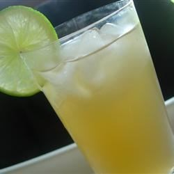 Sweet Lime Iced Tea Recipe - Not too sweet, not too bitter, this lime sweet tea is just right!