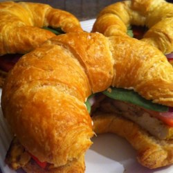 Chicken Curry Croissants Recipe - This is a nice deli sandwich that is easy to prepare, and is perfect for anyone who is a curry seasoning fan.