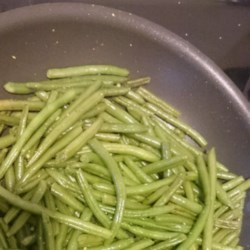 Easy Garlic Green Beans Recipe - All you need is butter, garlic, and salt to make this delicious and easy side dish. Double or triple the recipe for a quick way to serve a crowd.