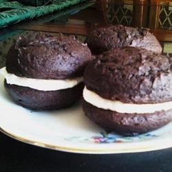 Whoopie Pies I Recipe - Chocolate cake circles sandwiched with a creamy vanilla frosting-like filling.