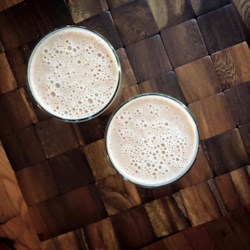 Banana Hemp Seed Smoothie Recipe - This banana-based smoothie with hemp seed and almond butter is a hearty way to start the day and is paleo-friendly!
