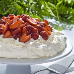 Strawberry Pavlova Recipe - This beautiful dessert, a favourite recipe of Teeswater egg farmers Peter and Adriana Van Zeeland, is perfect for any occasion.