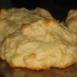 Easy Baking Powder Drop Biscuits Recipe - Stir up a batch of these easy biscuits while you're making the sausage gravy.