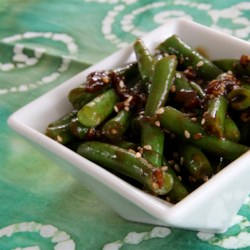 Fresh Green Beans with Heaven Sauce Recipe - Fresh green beans are mixed with a spicy and creamy sauce, made with sriracha, onions, and sesame seeds, also known as heaven sauce.