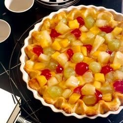 Fruit Cocktail Pie Recipe - This is a delicious summer treat made with cooked vanilla pudding and canned fruit cocktail.