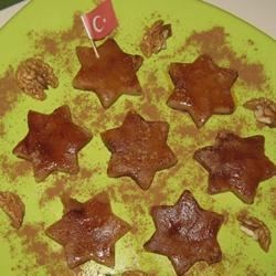 Turkish Halwa Recipe - This traditional Turkish molasses and walnut dessert is both easy and yummy!