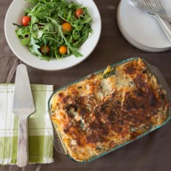 Tuna Garden Casserole Recipe - This easy to prepare version of the classic tuna casserole contains leafy greens, bell pepper, and penne noodles. You can easily substitute the vegetables with what you have in the refrigerator.