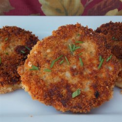 Pan Fried Chicken Croquettes Recipe - This recipe makes flavorful pan-fried chicken or turkey croquettes that are crisp on the outside and moist on the inside.