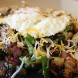 Easy Dinner Hash Recipe - This one dish meal is easily scaled to fit the number of people being served.  I use it when it's just my daughter and me home for dinner.