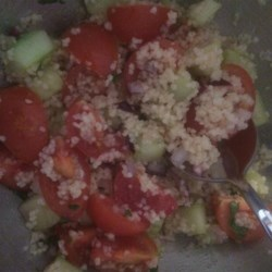Summer Couscous Recipe - This couscous recipe is packed with fresh tomatoes, red onion, green onion, and cucumber.