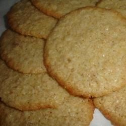 Oatmeal Crispies II Recipe - This easy oatmeal cookie recipe delivers a beautifully crisp buttery nibble.