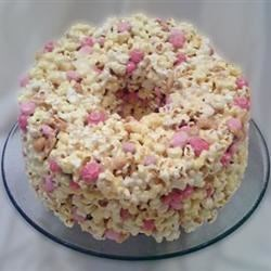 Popcorn Cake I Recipe - This cake is very colorful, and must be eaten in the same day it is made. Good for kids.