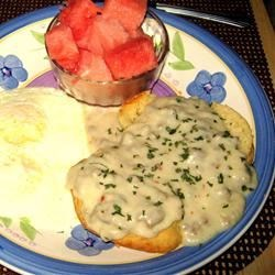 Sawmill Gravy Recipe - A thick milk gravy. Serve on biscuits with sausage and eggs.