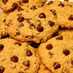 Ally's Chocolate Chip Cookies Recipe - Chewy oatmeal chocolate chip cookies. Treat yourself to a batch of these!