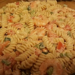 Simple Shrimp Pasta Salad Recipe - A supremely simple Shrimp Pasta salad!  It can be whipped up in no time at all and is excellent served with Garlic Cheese Bread!
