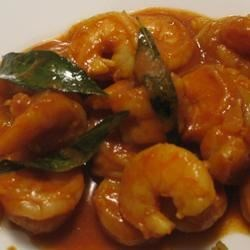 Authentic and Easy Shrimp Curry Recipe - This is a home-style South Indian shrimp curry recipe from my husband's family. It is simple and quick to make. It contains no coconut so is not sweet, just mostly juicy and as hot as you like it. Serve with basmati rice or an Indian flatbread.