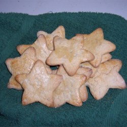 Zimtsterne Recipe - Zimtsterne, cinnamon-spiced German star cookies, are always a hit, especially for Christmas.