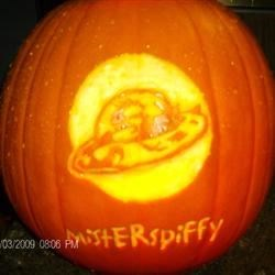 Misterspiffy Pumpkin Carving 2
