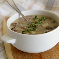 Skinny Cream of Mushroom Soup Recipe - This easy, low-calorie potato mushroom soup is great for weeknights. It can be made ahead of time or personalized with other herbs and spices.