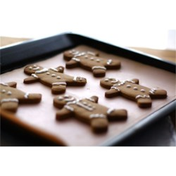 Gingerbread Men Recipe - Baking and decorating gingerbread men is a Christmas time tradition. Use this recipe for plenty of holiday fun.