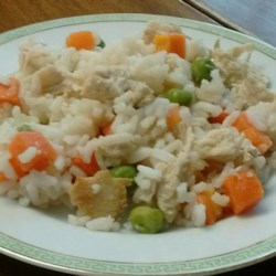 Lucky and Rippy's Favorite Dog Food Recipe - Pamper your puppy with this homemade chicken and rice meal. Soon tails will be wagging all across America!