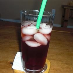 Boston Iced Tea Recipe - A big pot of tea flavored with cranberry juice. Delicious and refreshing!