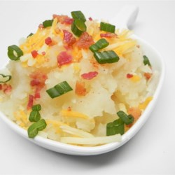 Skinny Mashed Potatoes Recipe - Skip the cream and butter in this dairy-free skinny mashed potatoes recipe, great served as a vegetarian side dish.