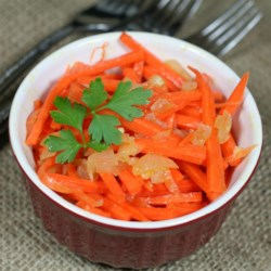 Russian Carrot Salad (Korean-Style) Recipe - This Russian carrot salad with a Korean influence uses coriander and cayenne pepper for a flavorful marinated vegetable salad.