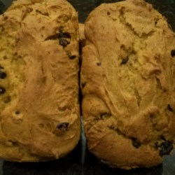 Raisin Pumpkin Bread Gluten Free Recipe - Eating gluten-free doesn't mean you can't have a raisin and pumpkin quick bread, thanks to this recipe.