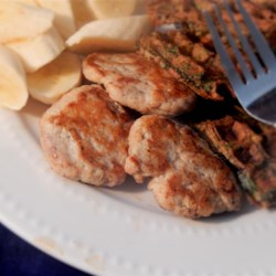 Homemade Sausage Recipe - Mix ground turkey with a few spices and whip up a batch of your own sausage in minutes. Form into patties or just cook in a skillet and add it to other dishes.