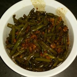 Caramelized Green Beans with Walnuts Recipe - A salty-sweet side dish sure to please veggie-lovers and sweet-tooths alike!