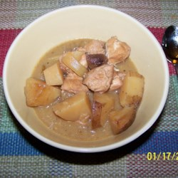 Slow Cooker Chicken Stew Recipe - A savory stew with apple, red potatoes, onion and seasoning. This is a very easy, tasty chicken dish I concocted when I was trying to think of a dish like pot roast yet using chicken rather than beef.