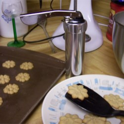 Melt In Your Mouth Peanut Butter Cookies Recipe - These Peanut Butter cookies are NOT chewy, they are melt-in-your mouth. The water in them lets you put them in your cookie press.