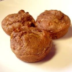 Low Fat Apple Bran Muffins Recipe - Bran muffins, lightly sweetened with apples and brown sugar. I like to snack on these muffins, they're good, and they're healthy too.