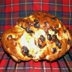 Selkirk Bannock Recipe - A lightly sweetened quick bread with golden raisins.