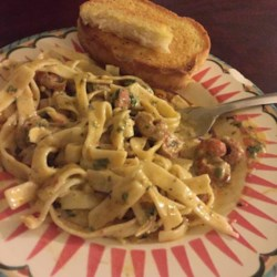 Richard and Suzanne's Louisiana Crawfish Pasta Recipe - This is a traditional crawfish dish in New Orleans. This dish can be spicy or mild depending on the amount of red pepper flakes you use, so be careful.