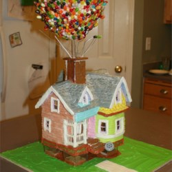 "Gingerbread + Marshmallow Fondant= ""Up"" house"