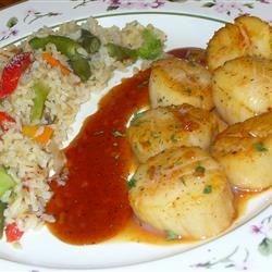 Chile-brown sugar scallops and veggie brown rice, with a sweet chile sauce