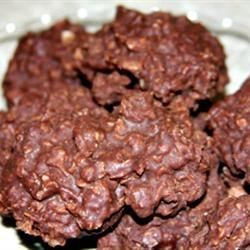 No-Bake Oatmeal Fudge Cookies