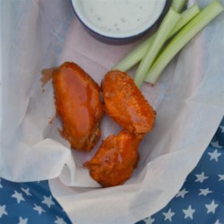 Fried Chicken Wings Recipe - This recipe delivers a wonderful batch of fried chicken wings for tossing in Buffalo-style sauce for when you have that wings craving.