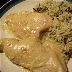 Southern Apricot Chicken Recipe - This is a creamy Southern style apricot chicken recipe that the entire family will love. Make it for guests and they will never know how easy it was! Serve with rice Pilaf.