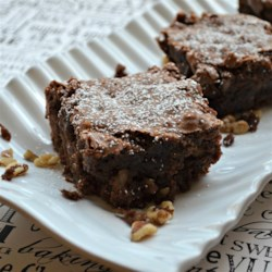 Apple Walnut Brownies Recipe - These apple walnut brownies are a delicious twist on the favorite chocolate dessert.