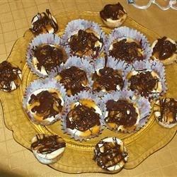 Sugar Free Mini Turtle Cheesecakes